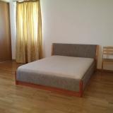 Спальная комната с балконом