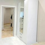 Спальная комната и шкаф.