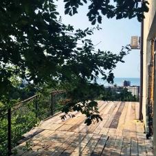 """Квартира двухкомнатная  с террасой рядом с парком """"Дендрарий"""""""