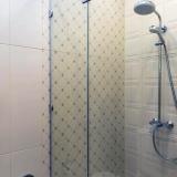 Ванная комната с душевой
