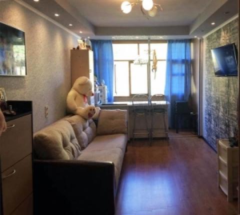 Комната с ремонтом в малосемейке.